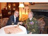 Oslava 93. narozenin generála Jaroslava Klemeše - přátelské posezení u našeho krbu s panem premiérem