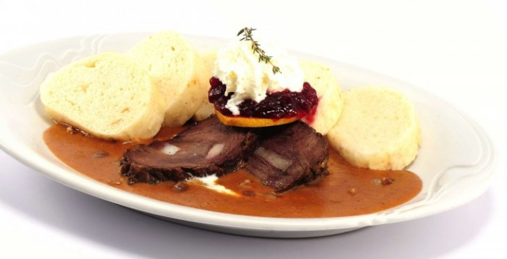 Marinated Beef in Cream Sauce with Cranberries and ...